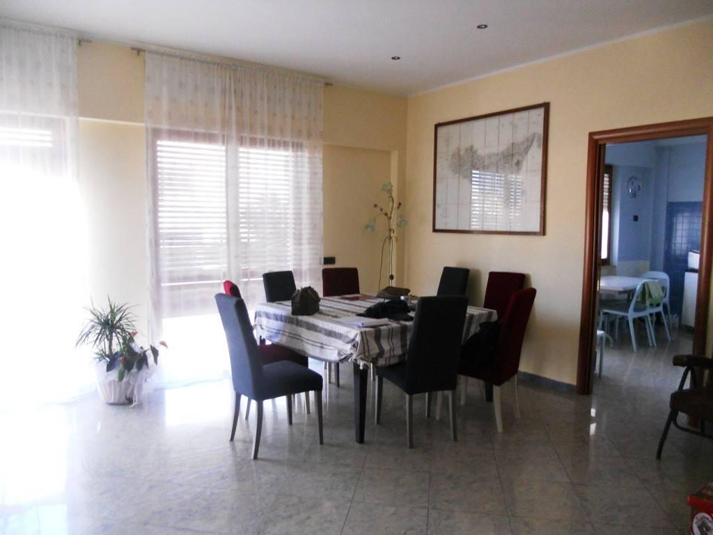 Appartamento in vendita a Foligno, 6 locali, prezzo € 150.000   PortaleAgenzieImmobiliari.it