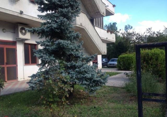 Appartamento in vendita a Scafa, 6 locali, prezzo € 130.000 | Cambio Casa.it