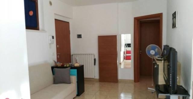 Appartamento in vendita a Chieti, 4 locali, prezzo € 135.000 | Cambio Casa.it