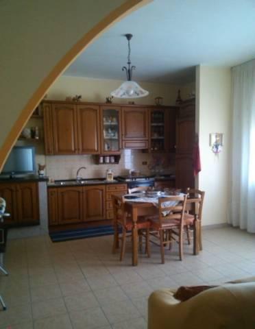 Appartamento in vendita a Cepagatti, 6 locali, prezzo € 168.000 | Cambio Casa.it