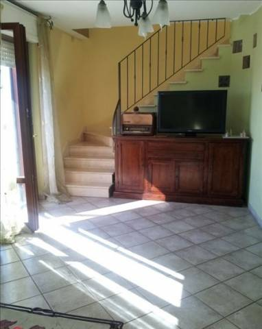 Appartamento in vendita a Cepagatti, 6 locali, prezzo € 130.000 | Cambio Casa.it