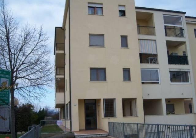 Appartamento in vendita a Chieti, 5 locali, prezzo € 124.000 | Cambio Casa.it