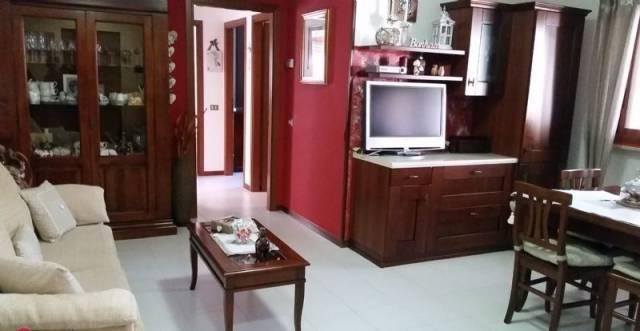 Appartamento in vendita a Pianella, 5 locali, prezzo € 108.000 | Cambio Casa.it