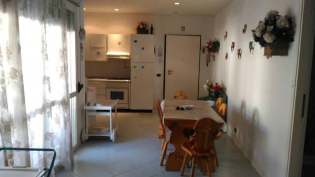 Appartamento in buone condizioni arredato in affitto Rif. 4825123