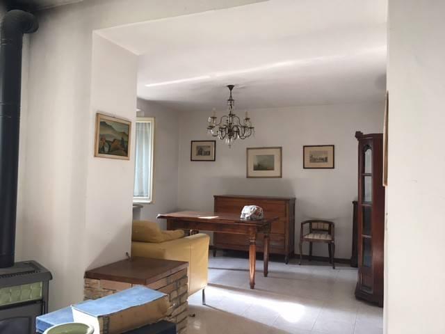 Appartamento in vendita a Sala Baganza, 4 locali, prezzo € 105.000 | Cambio Casa.it