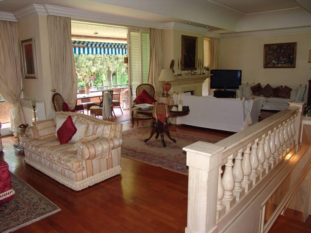 Villa in vendita a Roma, 8 locali, prezzo € 2.900.000 | CambioCasa.it