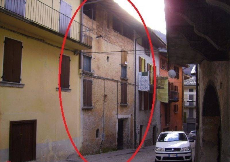 Soluzione Indipendente in vendita a Lavenone, 7 locali, prezzo € 38.000 | PortaleAgenzieImmobiliari.it