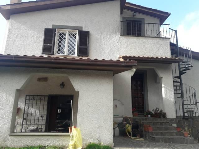 Villa in vendita a Albano Laziale, 6 locali, prezzo € 410.000 | Cambio Casa.it