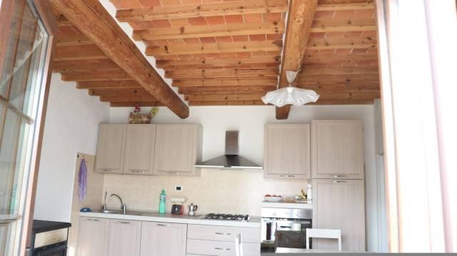 Soluzione Indipendente in vendita a Pescia, 5 locali, prezzo € 75.000   Cambio Casa.it