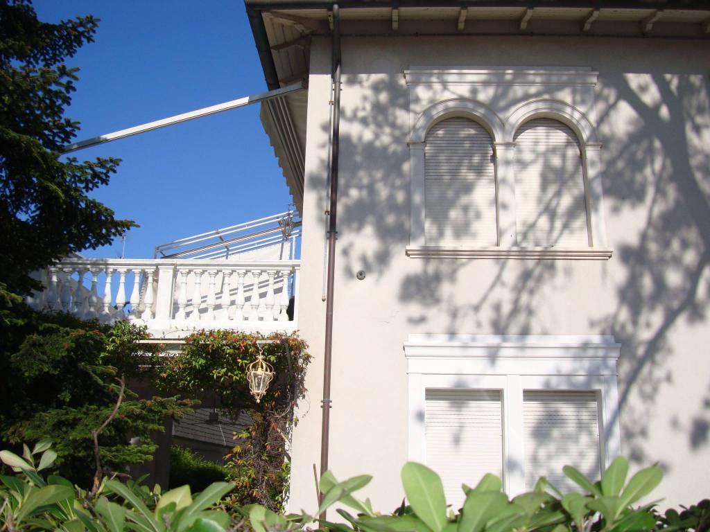 Villa in Affitto a Riccione Centro: 5 locali, 150 mq