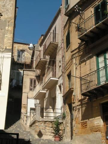 Stabile / Palazzo da ristrutturare in vendita Rif. 6577370