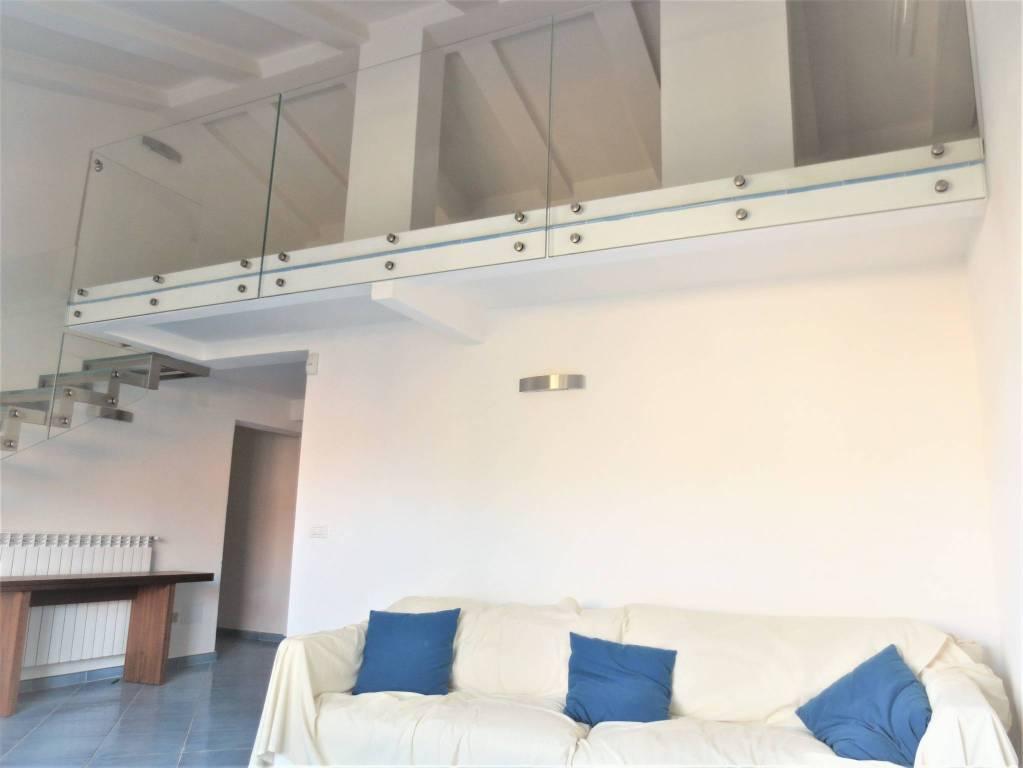 Appartamento in ottime condizioni parzialmente arredato in vendita Rif. 8818495