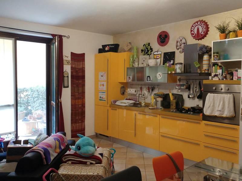 Appartamento in ottime condizioni arredato in vendita Rif. 4920996