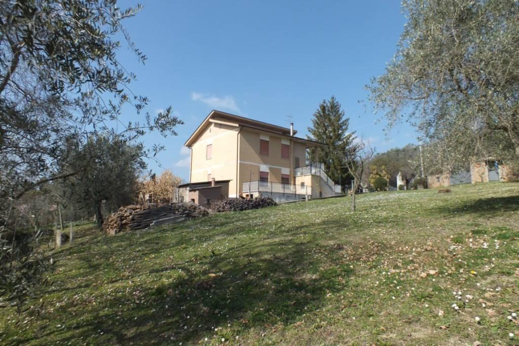 Mompeo Villa indipendente con terreno