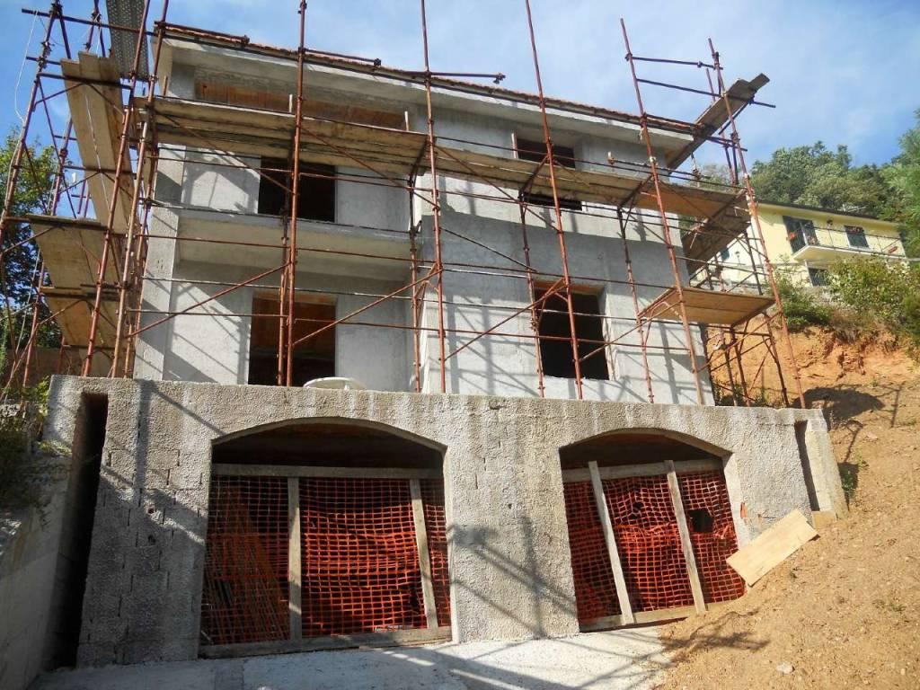 Villa in vendita a San Colombano Certenoli, 5 locali, prezzo € 245.000 | CambioCasa.it