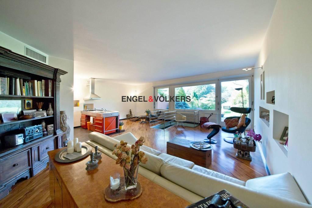 Appartamento in ottime condizioni parzialmente arredato in affitto Rif. 7171477