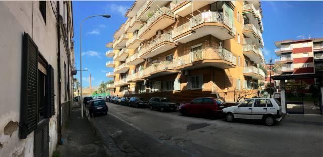 Appartamento in buone condizioni arredato in affitto Rif. 4190078