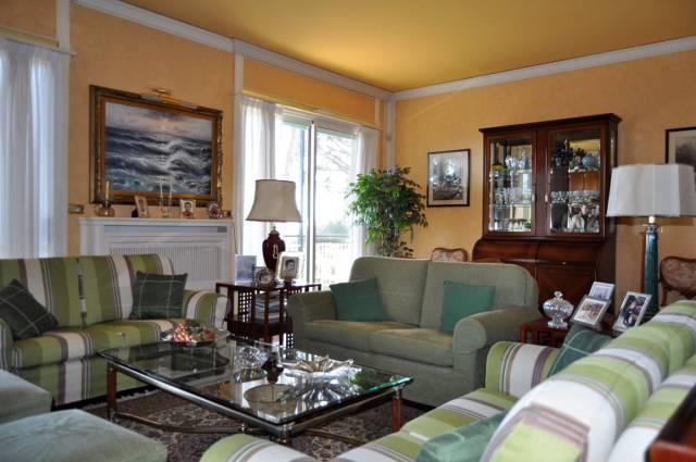 Appartamento in Vendita a San Remo Semicentro: 5 locali, 150 mq
