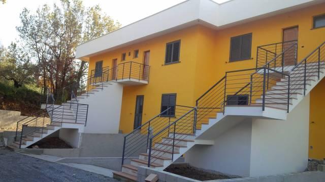 Villa a schiera quadrilocale in vendita a Praia a Mare (CS)