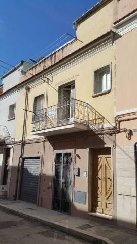 Appartamento in buone condizioni in vendita Rif. 6946944
