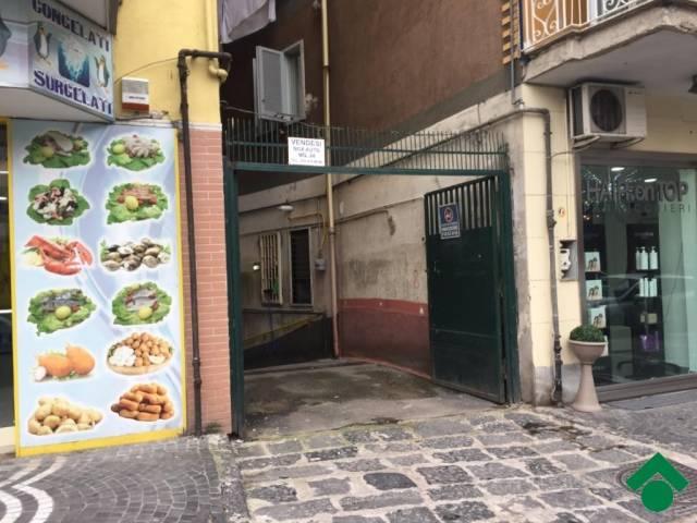 garage-Box-posto auto  in Affitto a Casoria