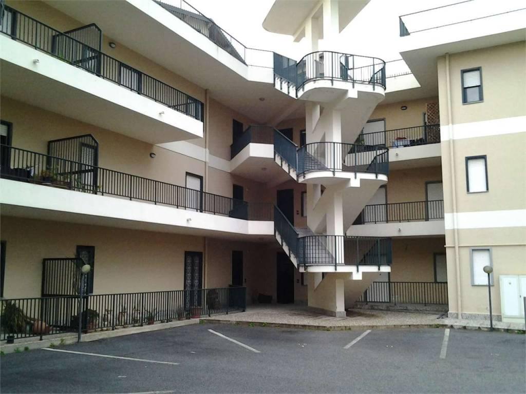 Appartamento in ottime condizioni in vendita Rif. 9153562
