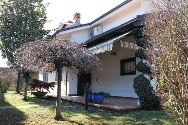 Villa in vendita a Orbassano, 6 locali, prezzo € 580.000 | Cambio Casa.it