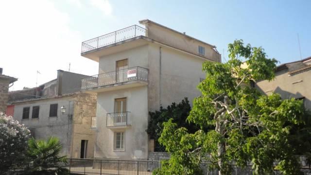Appartamento in vendita a Castelnuovo Parano, 4 locali, prezzo € 78.000 | Cambio Casa.it