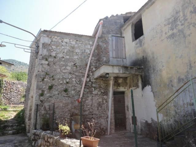 Appartamento in vendita a Castelnuovo Parano, 3 locali, prezzo € 39.000 | Cambio Casa.it