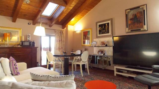 Villa in vendita a Cernusco Lombardone, 4 locali, prezzo € 355.000 | Cambio Casa.it