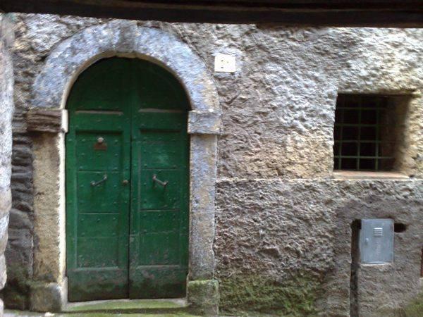 Appartamento in vendita a Montelanico, 4 locali, prezzo € 35.000   Cambio Casa.it