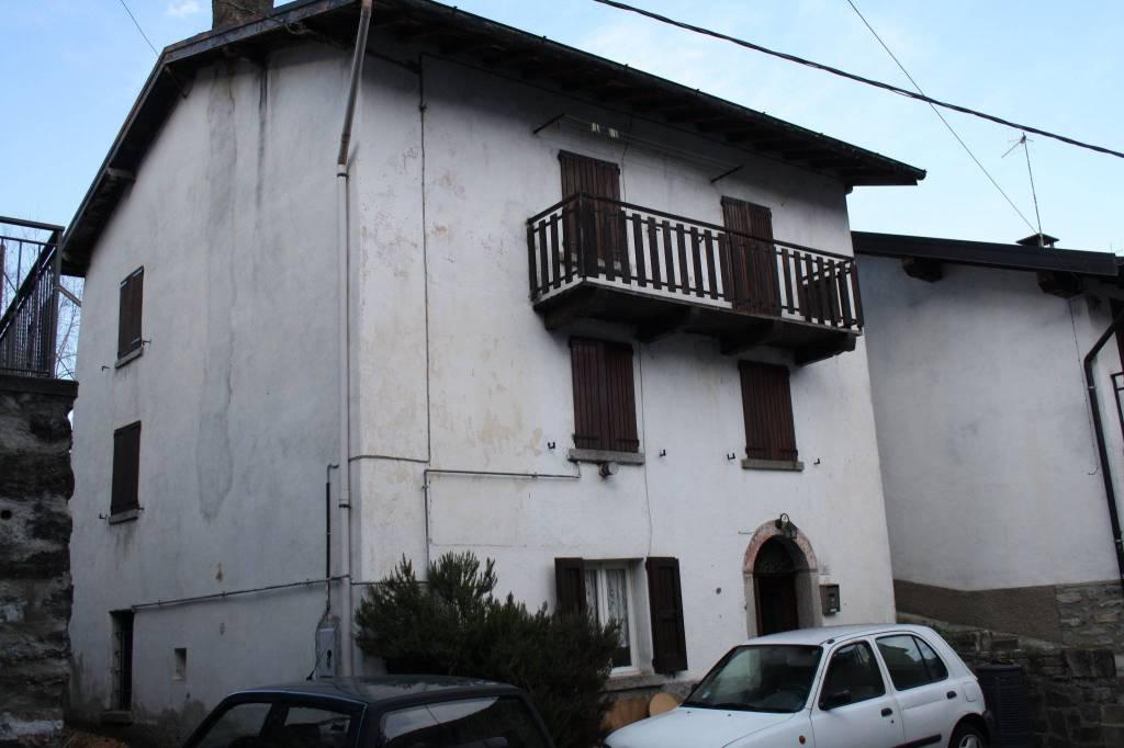 Villa in vendita a Schignano, 4 locali, prezzo € 65.000 | PortaleAgenzieImmobiliari.it