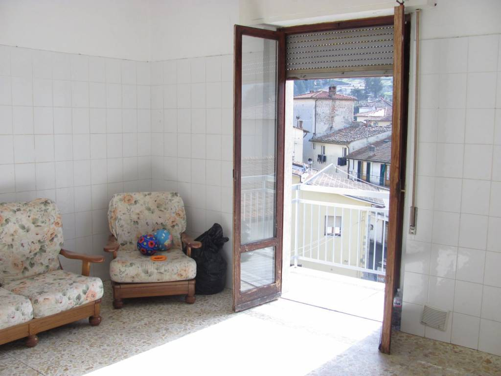 Appartamento in buone condizioni in vendita Rif. 9124814