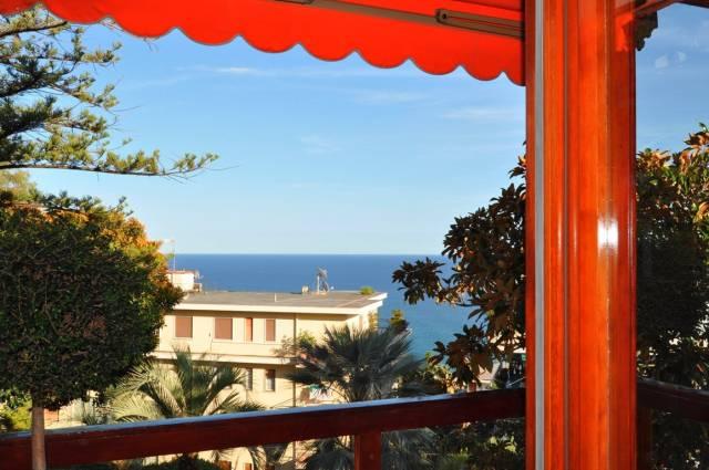 Appartamento in Affitto a San Remo Semicentro: 3 locali, 158 mq