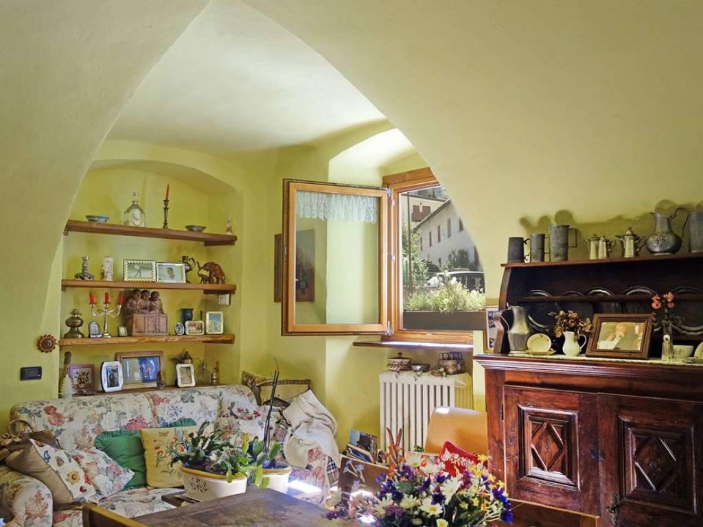 Courmayeur Centro: caratteristico, grande bilocale con soffitti a volta, palazzo d'epoca