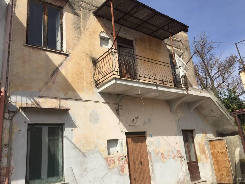 Appartamento da ristrutturare totalmente