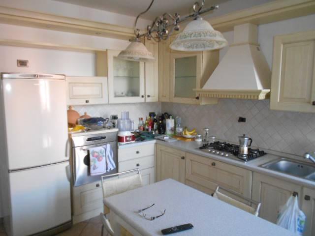 Appartamento in buone condizioni arredato in affitto Rif. 6595647