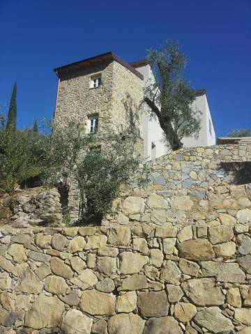 Rustico / Casale in vendita a Bordighera, 4 locali, prezzo € 490.000 | Cambio Casa.it