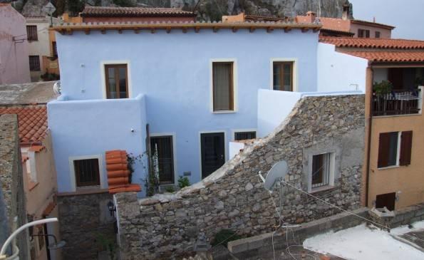 Appartamento 5 locali in vendita a Posada (NU)