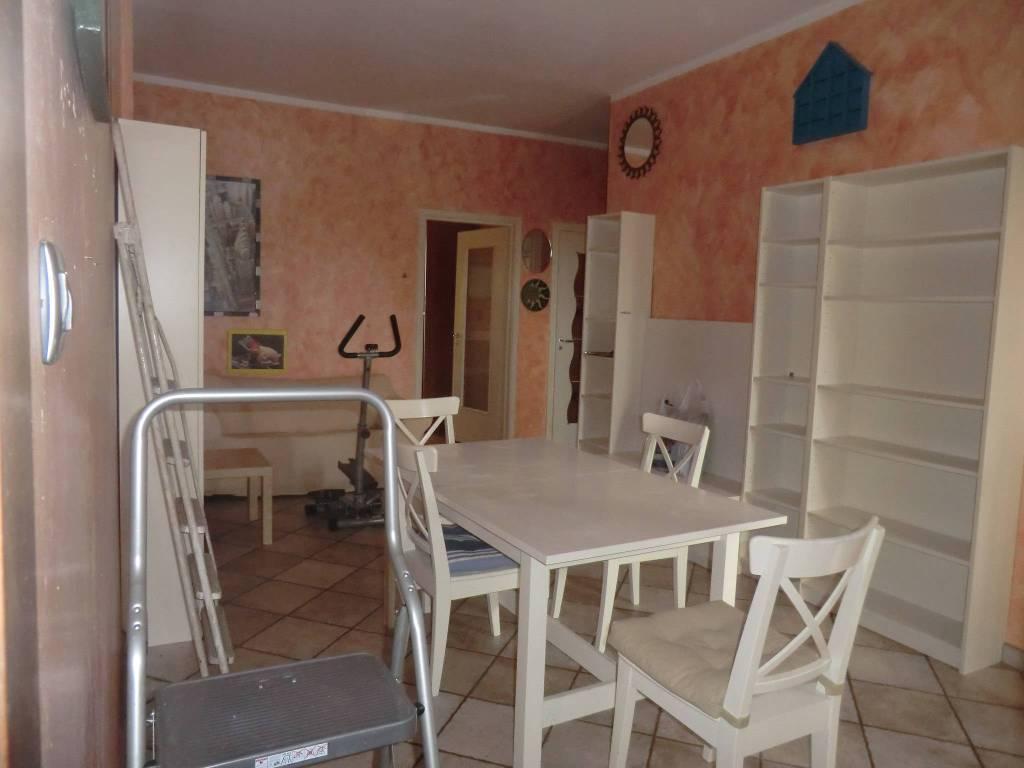 Appartamento in buone condizioni arredato in vendita Rif. 5199525