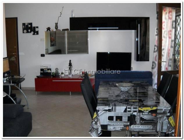 Appartamento in vendita a Fiumicino, 2 locali, prezzo € 180.000 | Cambio Casa.it