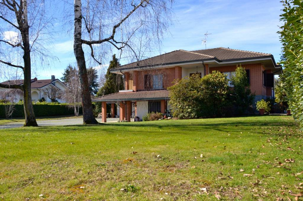 Villa in buone condizioni in vendita Rif. 5784742