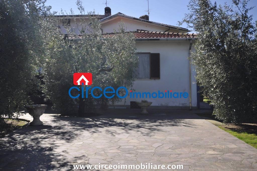 Affitto Rif. LOC85 - Appartamento in villa