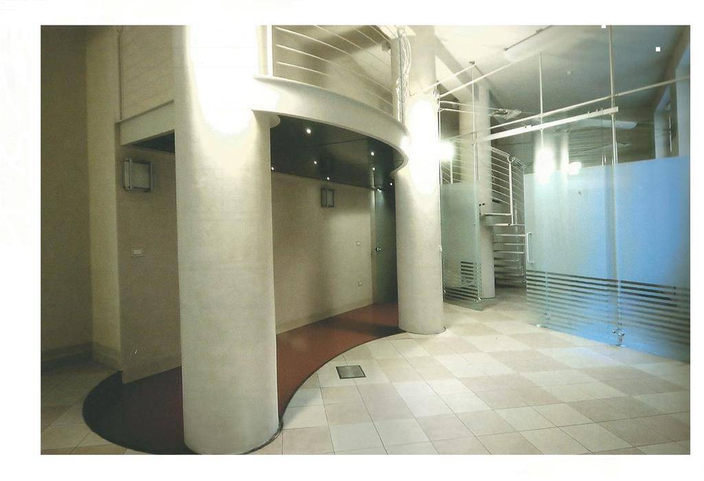 Ufficio-studio in Affitto a Pisa Centro: 160 mq