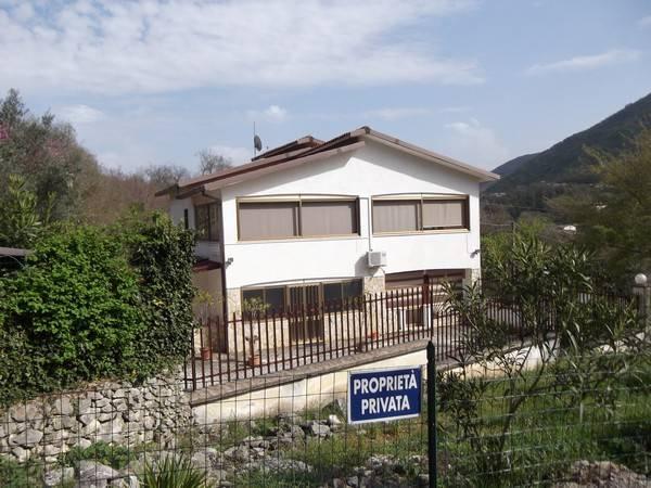 Villa in Vendita a Vallemaio
