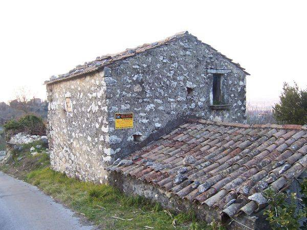 Rustico / Casale in Vendita a Vallemaio