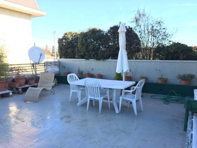 Appartamento in buone condizioni in vendita Rif. 4504891