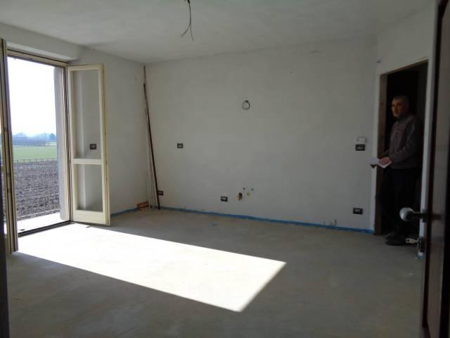 Appartamento in vendita a Cherasco, 2 locali, prezzo € 115.000 | CambioCasa.it