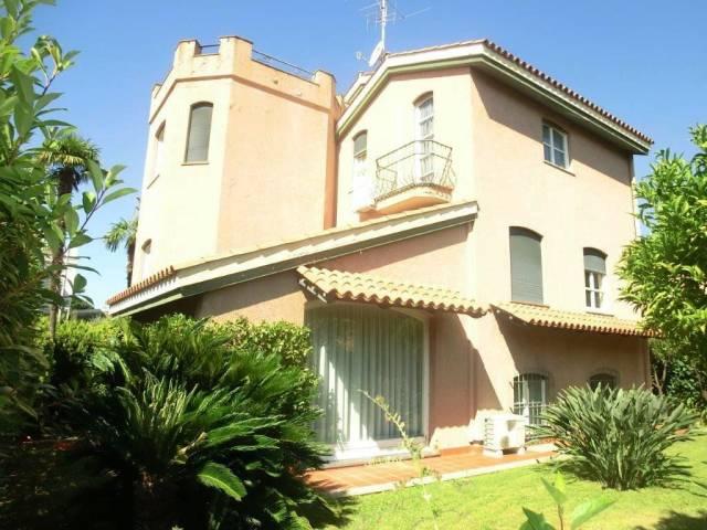 Villa in Vendita a San Remo Semicentro: 5 locali, 350 mq