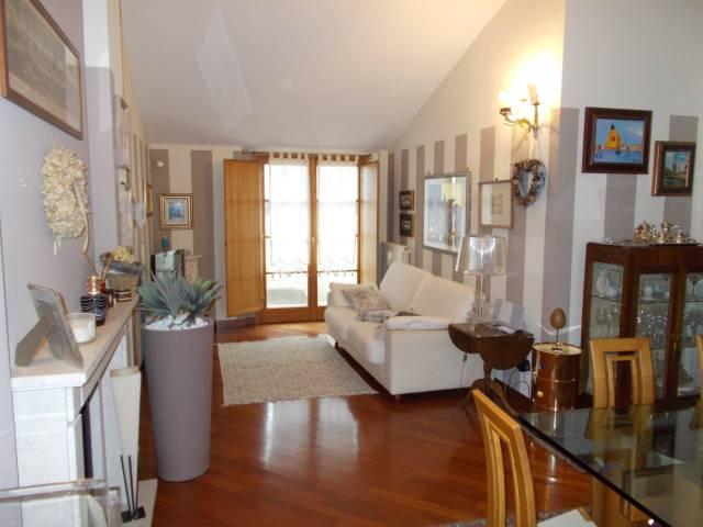 Attico / Mansarda in vendita a Fara Gera d'Adda, 2 locali, prezzo € 110.000 | Cambio Casa.it